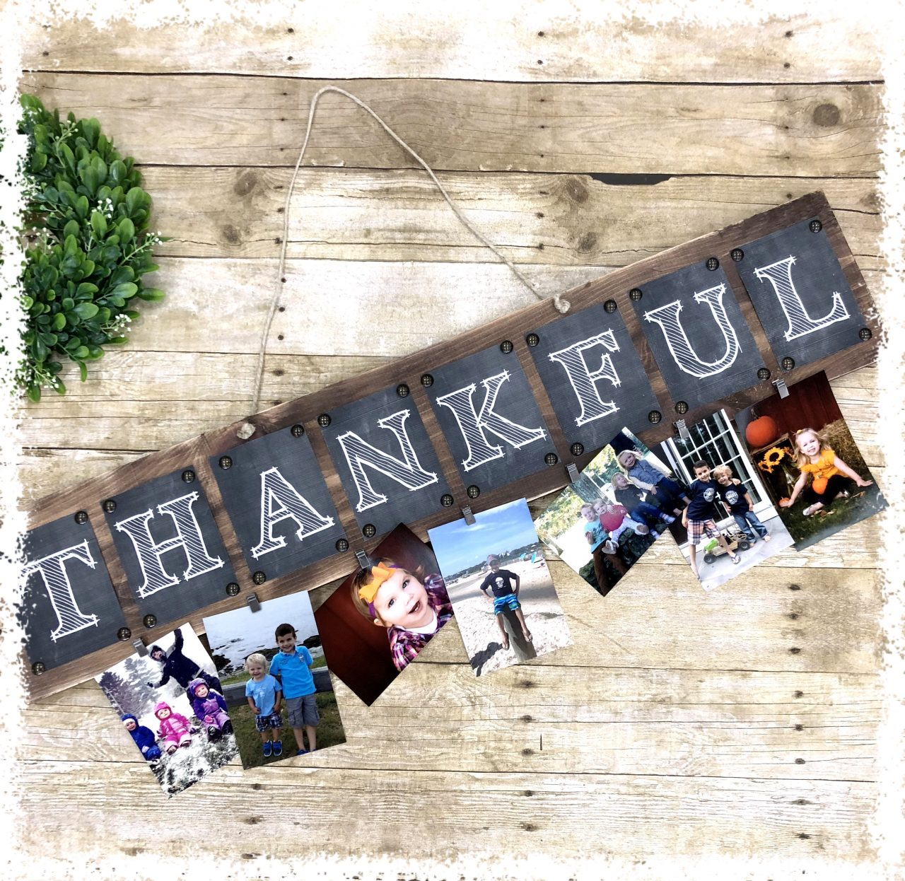 THANKKFUL_Picturehanger