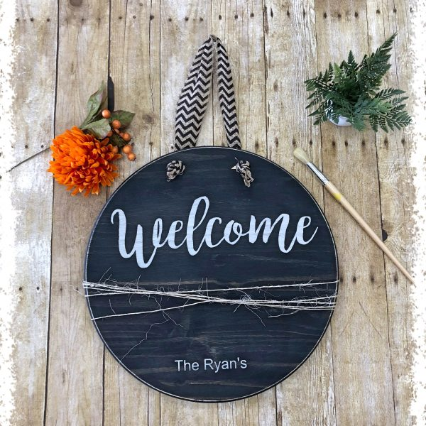 round-welcome-sign