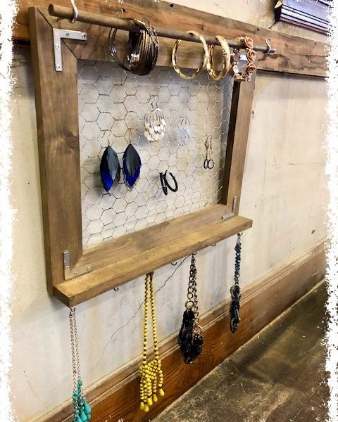 rustic-jewelry-holder